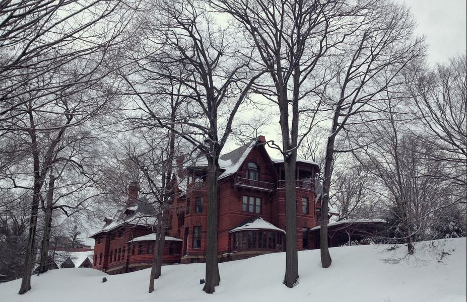 Holiday Celebrations At The Mark Twain & Harriet Beecher Stowe Houses