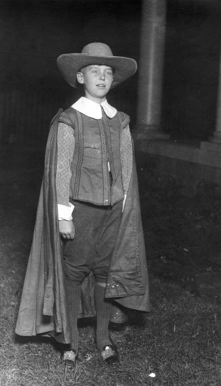Image Of Young Boy Dressed As William Pynchon