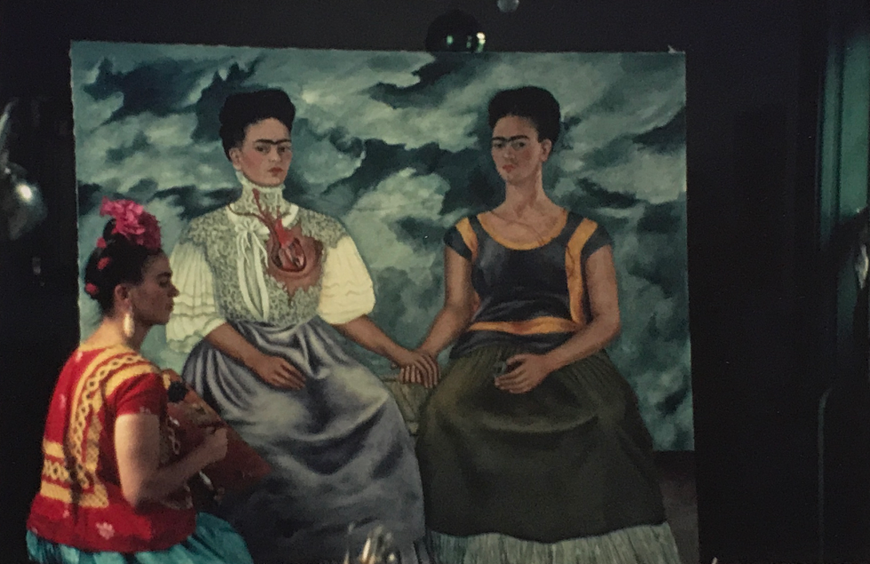 """Nicklas Muray, Frida Kahlo painting """"Las Dos Fridas (The Two Fridas)"""", Photograph, private Collection"""
