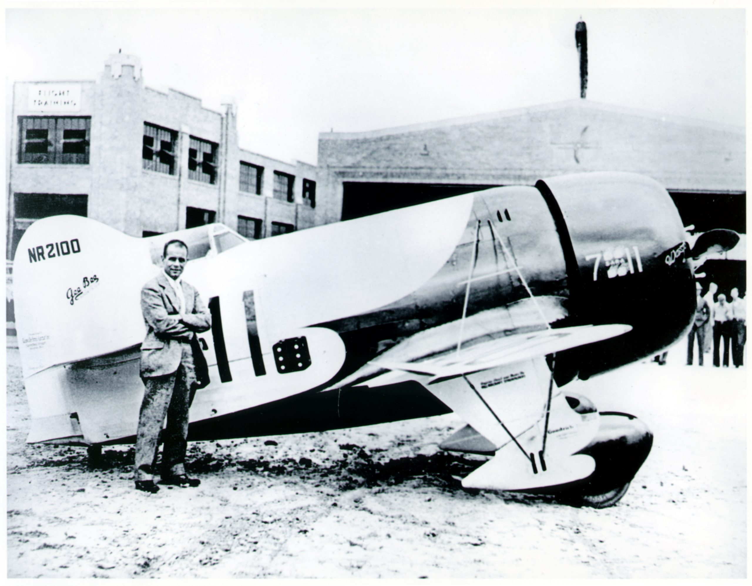 Jimmy Doolittle and the Gee Bee R-1 airplane